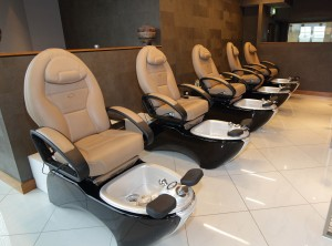Pedicure Stations at Pink Beauty Emporium