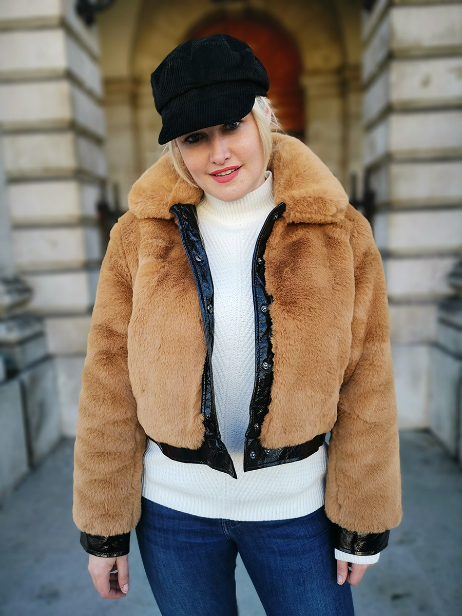 HOW I STYLE A FAUX FUR JACKET